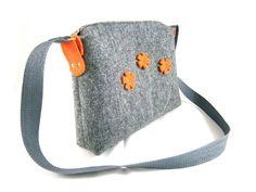 """Schöne und einzigartige graue Tasche aus festem Filz von """"Anette"""" - ein idealer Begleiter für alle stilbewusste Frauen!"""