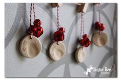 Thumbprint Ornaments - Sugar Bee Crafts Sugar Bee Crafts: sewing, recipes, crafts, photo tips, and more! Preschool Christmas, Christmas Activities, Christmas Crafts For Kids, Homemade Christmas, Christmas Projects, Winter Christmas, Holiday Crafts, Holiday Fun, Christmas Holidays
