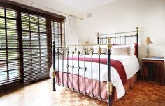 Dolliwarie - Guest House and Bed and Breakast in Panorama - 5 Cape Town, Bed And Breakfast, House, Furniture, Home Decor, Breakfast In Bed, Homemade Home Decor, Home, Haus