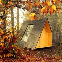 Builder Telmo Cadavez from Portugal  created a micro cabin, which can be swiveled around all the way, and looks like a perfect minimalistic forest retreat.