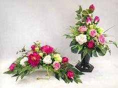Cemetery Flowers, Ikebana, Cos, Floral Wreath, Wreaths, Home Decor, Floral Crown, Decoration Home, Door Wreaths
