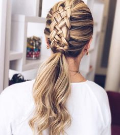 Pretty braid hairstyle - Fabmood | Wedding Colors, Wedding Themes, Wedding color palettes