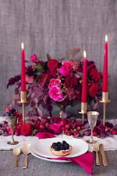 Summer berry wedding inspiration in rich, wild shades of luxurious raspberry, emerald green, and glittering gold for a romantic bohemian design! Autumn Wedding, Red Wedding, Wedding Table, Wedding Colors, Wedding Bride, Wedding Flower Arrangements, Wedding Centerpieces, Wedding Flowers, Masquerade Centerpieces