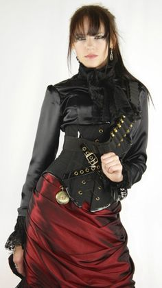 Ladies Steampunk Bandit Outfit.  www.peachesandcream.hubpages.com