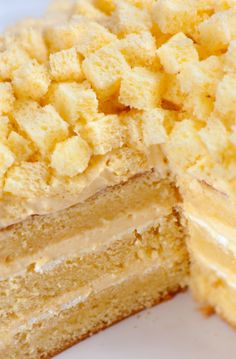 Torta mimosa LEGGI LA RICETTA ► http://www.dolciricette.org/2012/08/torta-mimosa-ricetta-originale.html
