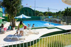 O Acquamanai é composto por 08 piscinas e 04 tobogãs