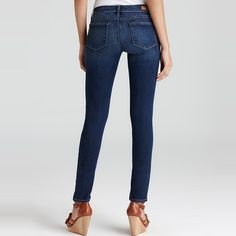A skinny jean with a dark rinse, Paige Denim's Skyline Skinny Jeans are designed and cut to fit flatter butts like no other thanks to a super slimming leg and thoughtfully and precisely positioned pockets. This combination helps enhance and lift for a wow worthy backside.
