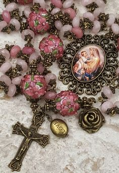 Mother Mary w Jesus Pink Jade Lampwork Love Peace Happiness Longevity Good Luck Sickness Protection Bronze Rosary Rosary Prayer, Praying The Rosary, Holy Rosary, Prayer Beads, Rosary Bead Tattoo, Rosary Beads, Catholic Jewelry, Rosary Catholic, Mom Jewelry