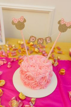 Pink and gold minnie mouse birthday smash cake decorations One Year Birthday Cake, 1st Birthday Cake Topper, Birthday Cake Decorating, Tea Party Birthday, First Birthday Cakes, Birthday Ideas, Minnie Mouse Cupcake Cake, Minnie Mouse Birthday Cakes, Mickey Mouse
