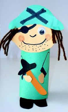 Carnival figures from Klorollen - Fasching-tinker . Carnival figures from Klorollen – Carnival crafts – My grandchildren and me – Made with schwedesign. Pirate Day, Pirate Birthday, Pirate Theme, Crafts For Teens, Projects For Kids, Diy For Kids, Arts And Crafts, Toilet Roll Craft, Toilet Paper Roll Crafts