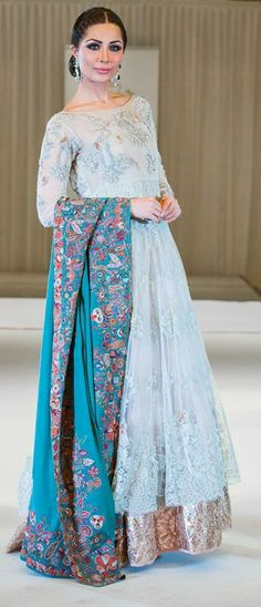 New Pakistani bridal dress 2015 is beautiful collection of bridal dresses specially designed for Pakistani girls. Bridal Dresses 2015, Pakistani Bridal Dresses, Pakistani Dress Design, Pakistani Outfits, Indian Dresses, Indian Outfits, Wedding Dresses, Saris, Ethnic Fashion