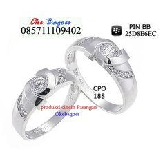 cincin model terbaru sangat cocok digunakan untuk pernikahan atau pertunangan. Please visite my onlie shope at http://goo.gl/1fmQHc