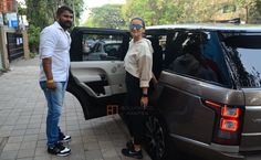 #News Actor Alia Bhatt Upgrades To A Range Rover Vogue Luxury SUV. She is the latest of the celebrities to add a new SUV to her garage and has upgraded her ride from the humble Audi Q5. #Cars #AutoNews #LuxuryCars