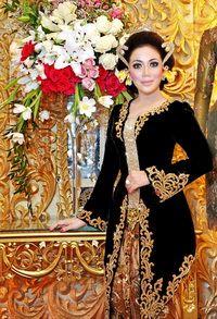 Traditional Java Wedding Dress