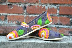 Custom handpainted Toms by LullieBelleBoutique on Etsy