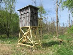 It makes a big difference when we build staircases at work. Coyote Hunting, Hunting Cabin, Archery Hunting, Pheasant Hunting, Deer Shooting, Shooting House, Tower Deer Stands, Tower Stand, Tree Stands