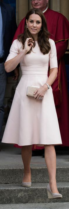 Kate Middleton: Dress – Lela Rose  Purse – LK Bennett  Earrings – Kiki McDonough  Shoes – Moonson