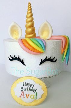 This is an offer for a unicorn theme cake set. The picture is on an high-cake, but we can customize in any size and color. These include: gold horn (or any color) ears (game horn or your color of choice) eyelashes / eyes-bangs (optional Unicorne Cake, Eat Cake, Cupcake Cakes, Unicorn Birthday Parties, Birthday Cake, Glitter Birthday, 7th Birthday, Birthday Ideas, Tall Cakes