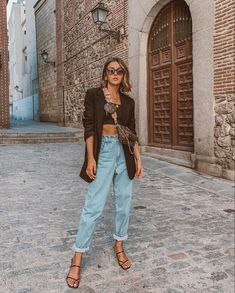 In this look Alexandra Pereira wears clothes from Louis Vuitton and Zara Street Style Edgy, Street Style Outfits, Looks Street Style, Street Style Summer, Mode Outfits, Jean Outfits, Fashion Outfits, Summer Street Fashion, Street Outfit
