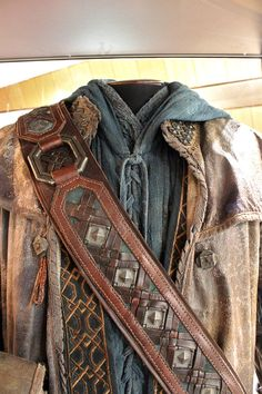 Kili : Middle of Middle-earth Costume Trail in Wellington, New Zealand - 11 Dec Mar 2015 Hobbit Cosplay, Hobbit Costume, Dwarf Costume, Medieval Costume, Medieval Gown, Fantasy Costumes, Cosplay Costumes, Pirate Costumes, Larp
