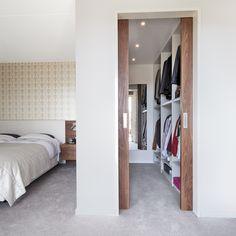 Wardrobe Room, Wardrobe Design Bedroom, Bedroom Closet Design, Modern Bedroom Design, Home Room Design, Home Bedroom, Home Interior Design, House Design, Small Dressing Rooms