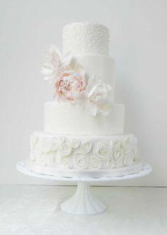 Beautiful Quilling White Roses Wedding Cake
