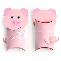 Gift Wrapping Inspiration : Toilet Paper Pig Pillow box gift for kids Valentine Box, Valentine Day Crafts, Christmas Crafts, Handmade Christmas, Christmas Decorations, Toilet Roll Craft, Toilet Paper Roll Crafts, Kids Toilet, Pig Crafts