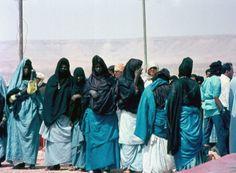 Africa | Tuareg women at the Tan-Tan festivities in the Mauritanian desert | ©Jens Friedrich