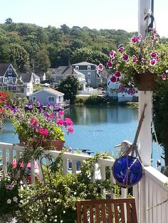 Not exactly the Boothbay Harbor I know but it still brings good memories to the mind. New Hampshire, Rhode Island, Vermont, Massachusetts, Moving To Maine, Harbor Town, Boothbay Harbor, Maine Cottage, Beyond The Sea
