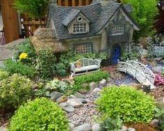 Fairy Gardens And Miniature Plants [Slideshow]  © 2011