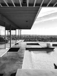 ICONIC HOUSES   the stahl house.   http://www.bocadolobo.com/en/index.php #modernarchitecture #architecture