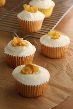 Hummingbird High: Momofuku Milk Bar Cereal Milk Cupcakes