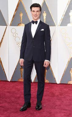 Finn Wittrock from Oscars 2016: Red Carpet Arrivals | E! Online