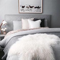 Modern pink and grey bedding quilt yellow homey bedroom decor home improvement appealing master extraordinary be Master Bedroom Interior, Dream Bedroom, Home Interior, Home Bedroom, Bedroom Decor, Bedroom Ideas, Bedroom Inspiration, Interior Inspiration, Design Bedroom