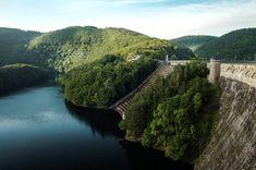 5 Ziele für Tagesausflüge in die Eifel | HELLO WANDER Die Eifel, Camping, Water, Outdoor, Wonderful Places, Hiking Trails, Day Trips, Campsite, Gripe Water