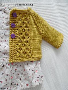 Ravelry: Baby Emily cardigan pattern by Kasia Lubinska Cardigan Bebe, Crochet Baby Cardigan, Knit Baby Sweaters, Cardigan Pattern, Knit Or Crochet, Booties Crochet, Crochet Hats, Baby Knitting Patterns, Knitting For Kids