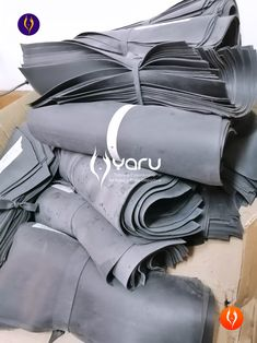 YARU manufactures latex, powernet, neoprene and polyester girdles with rigorous quality processes. We use high quality fabrics, threads and supplies, so that the products meet the high standards in different countries. Girdles, High Standards, Waist Training, Waist Cincher, Countries, Fabrics, Meet, Products