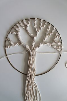Macrame Plant Hanger Patterns, Macrame Plant Holder, Macrame Patterns, Macrame Art, Macrame Design, Weaving Projects, Macrame Projects, Diy Jewelry Necklace, Tassel Necklace