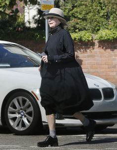 This is (obviously) Diane Keaton. | Diane Keaton Running To Get Froyo Is Diane Keaton Living Her Best Life