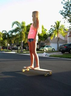 Endless summer of skate and surf. Pink Summer, Summer Of Love, Summer Time, Summer Sun, Summer Days, Longboards, Skate Longboard, Mode Swag, Skate Girl