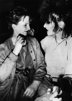 Clare Grogan of Altered Images with Siouxsie Sioux of Siouxsie and the Banshees Siouxsie Sioux, Siouxsie & The Banshees, Clare Grogan, David Bowie Interview, History Of Punk, Women Of Rock, Cinema, The New Wave, Altered Images