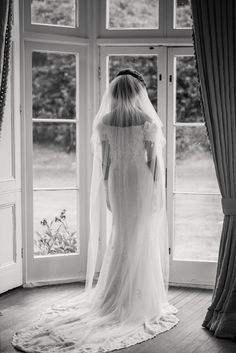 We Sell Vintage Wedding Dresses From Our Bridal Shop In Hove Near The Seaside Resort Of Brighton UK