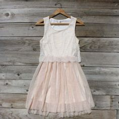 Grad dresses, homecoming dresses, women's dresses, country outfits, co Grad Dresses, Modest Dresses, Homecoming Dresses, Prom, Pretty Outfits, Pretty Dresses, Short Women Fashion, Womens Fashion, Country Outfits