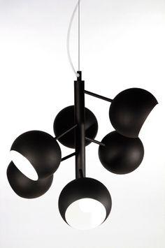 Ellos Home Taklampe Rondo Svart, love it! Office Lighting, Dar Lighting, Interior Lighting, Home Lighting, Modern Lighting, Lighting Design, Modern Scandinavian Interior, Pendant Chandelier, Lighting Online