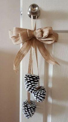 Homemade Christmas Decorations, Diy Christmas Ornaments, Xmas Crafts, Christmas Wreaths, Christmas Candles, Christmas Christmas, Pine Cone Crafts, Diy Crafts, Christmas Centerpieces