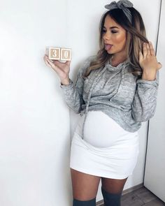 Maternity wear doesn't need certainly to mean unflattering silhouettes! Listed below are our top picks of maternity wear brands that'll […] Cute Maternity Outfits, Stylish Maternity, Pregnancy Outfits, Maternity Pictures, Maternity Wear, Maternity Dresses, Pregnancy Photos, Maternity Fashion, Pretty Pregnant