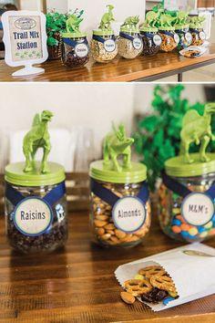 DIY Dinosaur Mason Jars Party Favor Idea Mason jar party Party