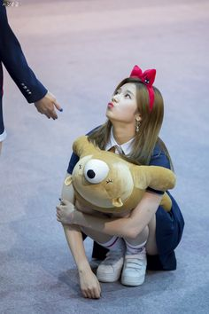 she's so adorable! Kpop Girl Groups, Korean Girl Groups, Kpop Girls, Fandom, K Pop, Sana Cute, Sana Minatozaki, Chaeyoung Twice, Twice Once