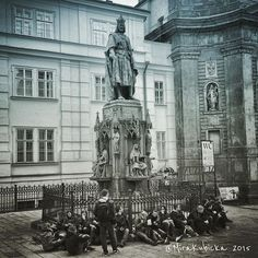 #statue #sculpture #prague #praha #prag #iprague #church #castle #brigde #history #heritage #people #cz #czech #czechia #czechrepublic #česko #české #českárepublika #czechdesign #DiscoverCZ #central #city #street