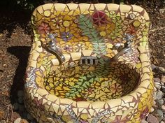 Mosaic Garden Sink by MtnLady. Great idea for repurposing an old sink. Would m… - Modern Mosaic Bathroom, Mosaic Diy, Mosaic Crafts, Mosaic Projects, Stained Glass Projects, Mosaic Ideas, Mosaic Birdbath, Mosaic Garden, Garden Art